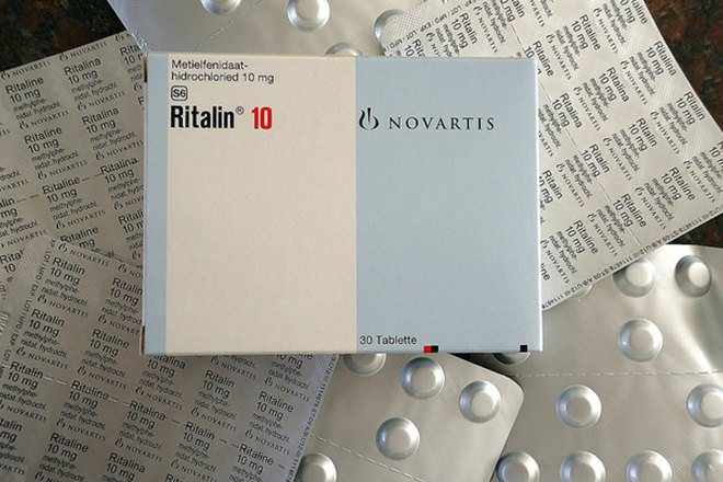 Ritalin vs Adderall - Difference and Comparison | Diffen