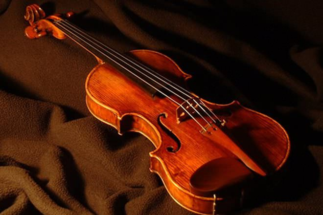 a comparison of the classical and jazz music forms The difference between classical and jazz music  instruments are played and  presented reveals the distinct nature of the two forms of music.
