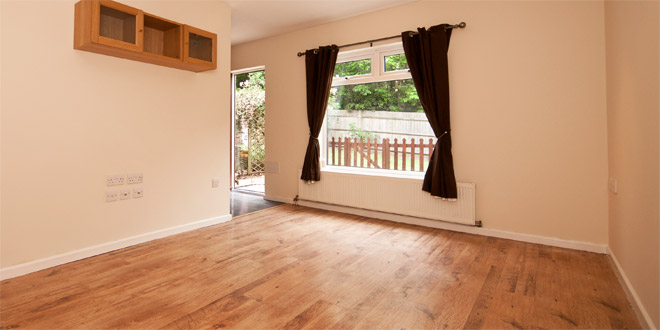 Laminate Floor Vs Vinyl Floor Difference And Comparison