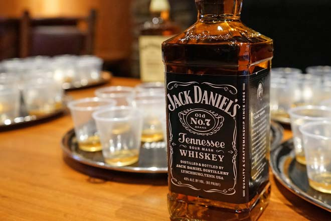 Jack Daniel S Vs Johnnie Walker Difference And Comparison Diffen
