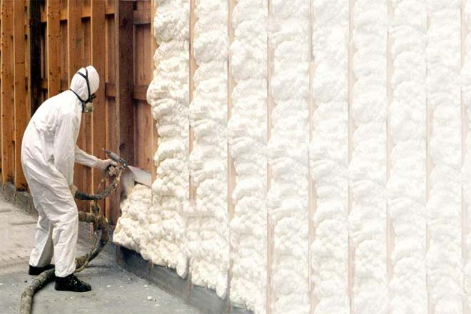 Fibergl Insulation Vs Spray Foam Difference And