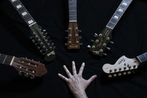 Acoustic Guitar vs Electric Guitar - Difference and Comparison ...