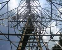 A CDMA tower, viewed from the bottom up